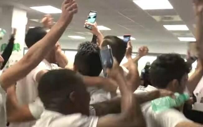 Jogadores do Unionistas de Salamanca comemoram ao saber que enfrentarão o Real Madrid