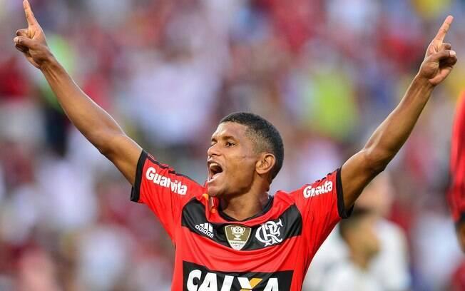 Márcio Araújo fez o gol do título estadual do Flamengo em 2014, diante do Vasco