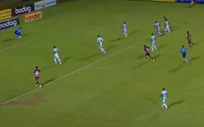 Guarani arranca empate e segue fora do rebaixamento