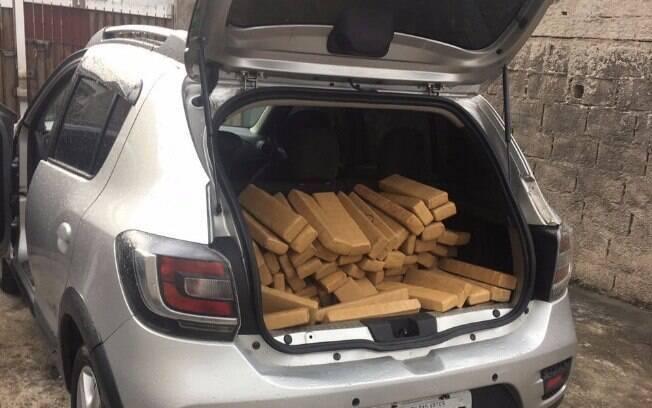130 kg de maconha encontrados no carro do traficante em Cotia