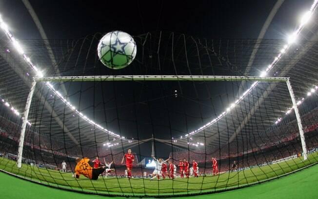 Disputando título do Inglês, Liverpool e City entram em campo no domingo da agenda do futebol