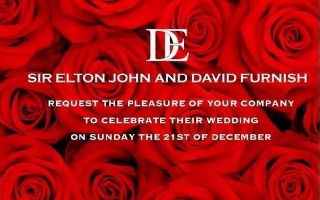 As rosas vermelhas no convite do casamento