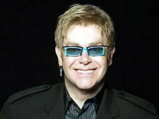 Elton John lança companhia teatral para montagens de musicais