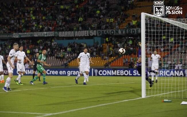 Barcos marcou o gol da vitória do Atlético Nacional em cima do Fluminense