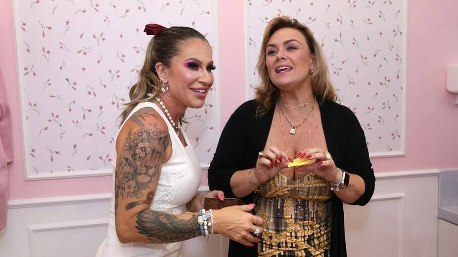 Juliana Bittencourt e a ex-paquita Ana Paula Almeida