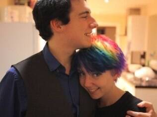 Jenni Goodchild e seu namorado, Tim, concentram as atenções no lado romântico do relacionamento