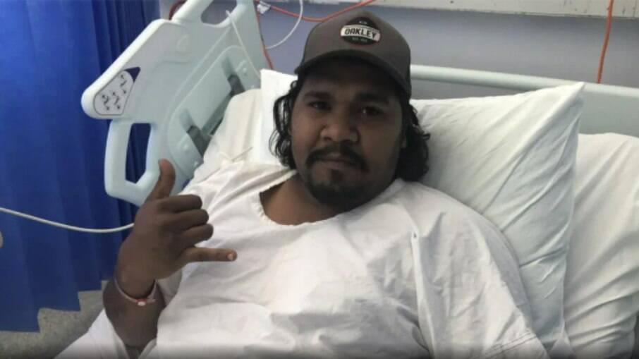 Leroy Daly, de 28 anos, mora na Austrália e foi mordido por um crocodilo enquanto caçava gansos