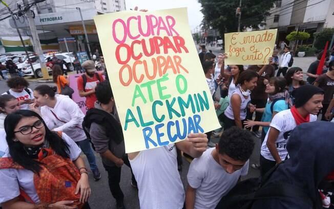 Protestos contra a reorganização escolar fecharam diversas ruas de São Paulo no fim do ano