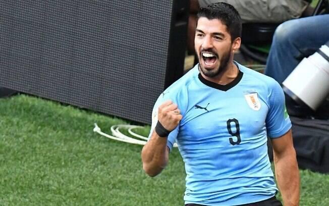 Luis Suárez comemora gol pelo Uruguai