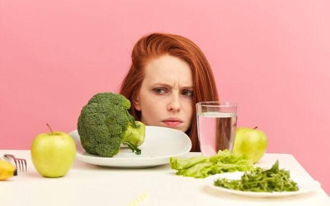 Há diversos mitos envolvendo dietas, e muitas pessoas costumam acreditar e implementar essas mentiras à rotina