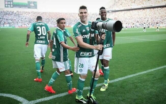 Moisés marca o primeiro gol do Palmeiras diante do Corinthians. Foto   Reprodução Instagram 41df625fb17bd