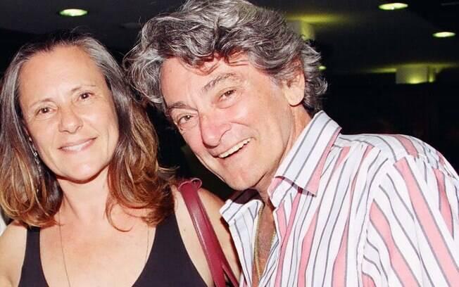 Elizabeth Savalla é casada com Camilo Atilla