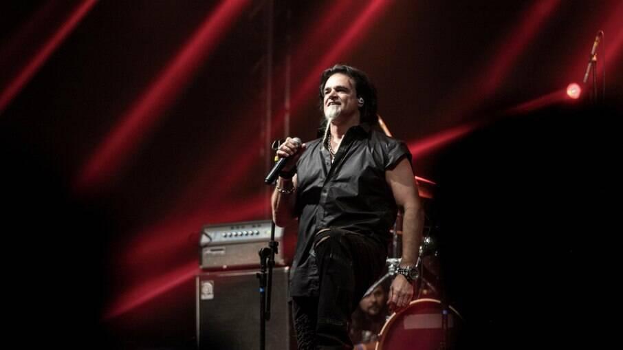 Eduardo Parrillo, vocalista da Doctor Pheabes e dono da Prevent Senior