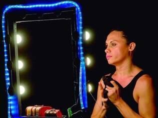 Solo. Silvero traz à cena todas as personagens da peça – travestis e transexuais – e seus dramas