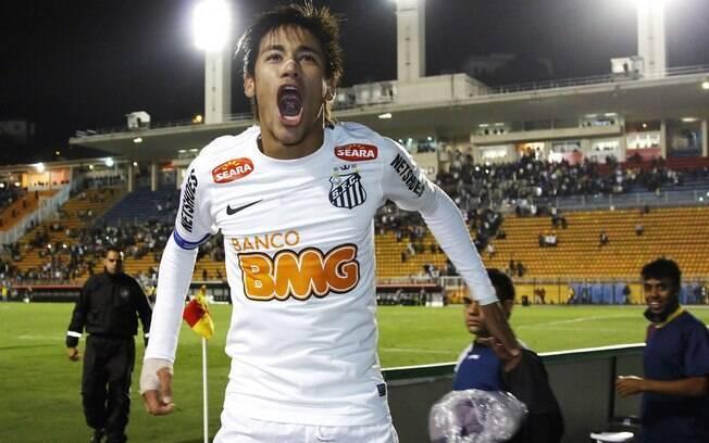Neymar vibra com mais um título pelo Santos:  a Recopa Sul-Americana 2012