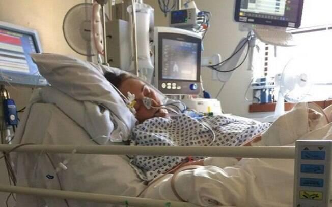 Beverley Gardner teve um acidente vascular cerebral e pneumonia, causados pela sepse