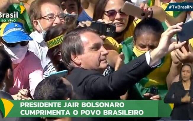 Bolsonaro fez selfie com seguidores