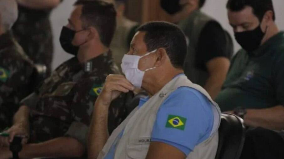Mourão acompanhou o andamento da Operação Samaúma