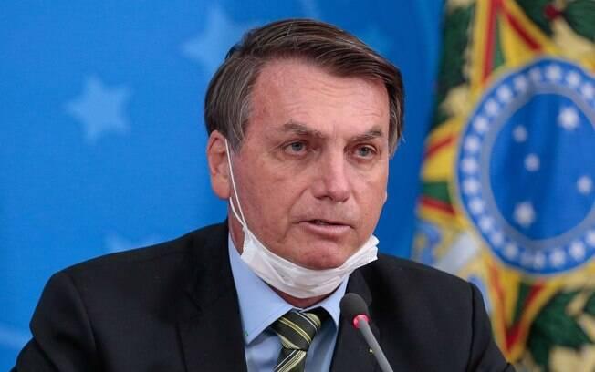 Exames de Jair Bolsonaro devem ser divulgados ainda nesta quarta-feira.