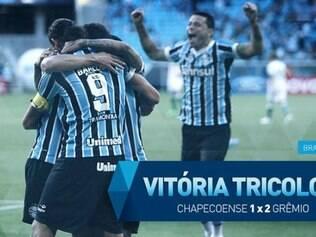 Com dois gols de Barcos, Grêmio bateu o Chapecoense na casa do adversário