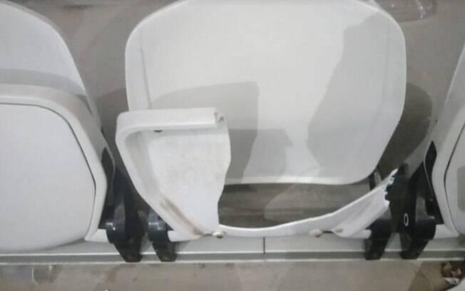 180 cadeiras foram quebradas na área de visitante na Arena Corinthians