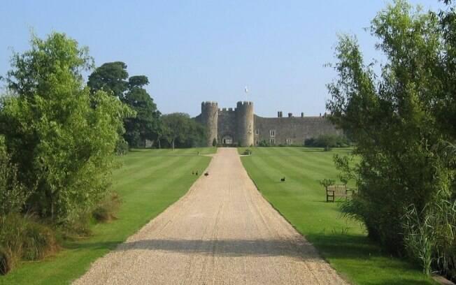 O castelo Amberley tem 900 anos e fica ao sul da Inglaterra