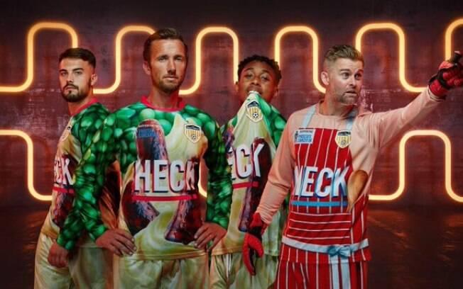 Nova camisa do Bedale AFC tem salsicha%2C purê de batata e ervilhas