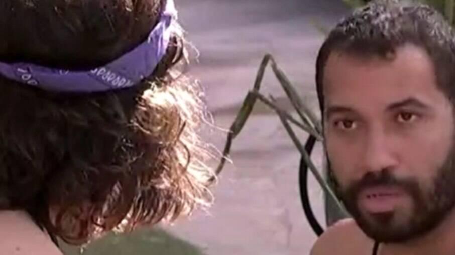 Gilberto fala com Fiuk sobre briga com Pocah