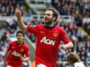 Juan Mata anotou dois gols e mostrou que pode ser uma peça importante para Moyes no Inglês