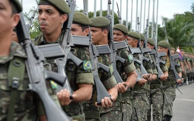 A Defesa informou que a atuação da Forças Armadas no Rio de Janeiro durante o carnaval não será liberada