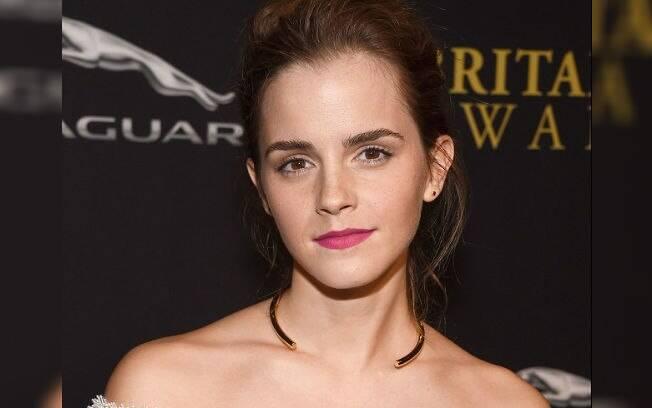 Apesar de ser o mais natural possível na maquiagem, Emma Watson gosta de investir em batons com cores fortes