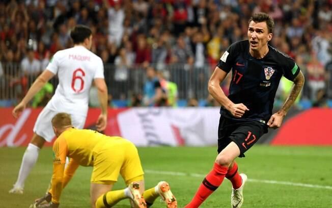 Mandzukic comemora o gol da vitória na semifinal da Copa do Mundo de 2018 contra a Inglaterra