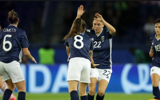 Bonsegundo faz dois e a Argentina busca empate com a Escócia no Mundial