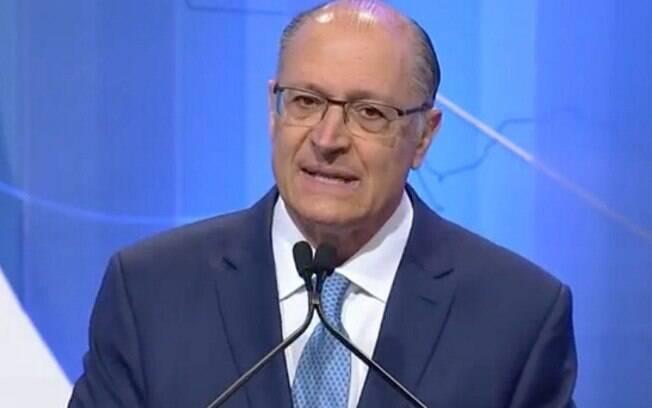 Geraldo Alckmin criticou o alto número de partidos no Brasil