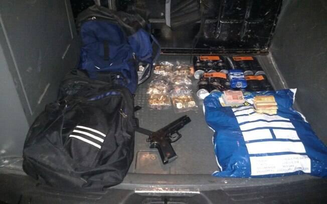ROTA recuperou todo o dinheiro e apreendeu a arma usada no crime