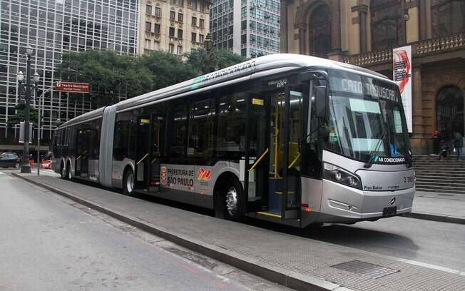 Transporte ajudou na redução da prévia da inflação, afirmou o IBGE nesta quarta-feira (22)