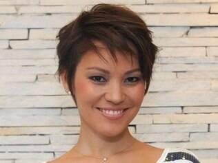 Geovanna Tominaga com seu novo visual: a repórter deixa o