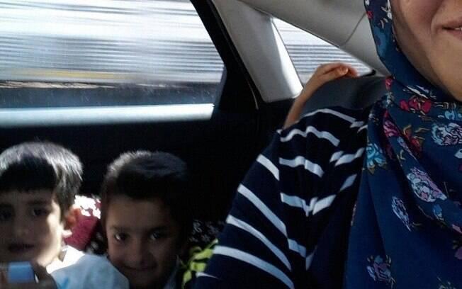 Berivan Elif Kilic é mãe de duas crianças. Ela diz que ambos a inspiraram a mudar de vida na Turquia. Foto: Reprodução/Facebook