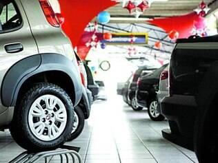 Volume de veículos novos e usados financiados caiu 13% em junho
