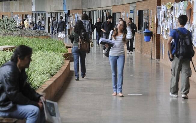 Enade:  número de matrículas em cursos de graduação da rede pública, em 2016, aumentou 1,9% em relação a 2015