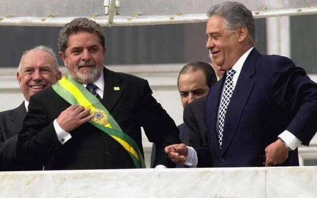 Em 2002, Luiz Inácio Lula da Silva venceu José Serra e foi eleito o presidente do Brasil com quase 53 milhões de votos