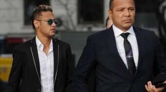Mansão da família de Neymar em SP vira alvo de ação na Justiça