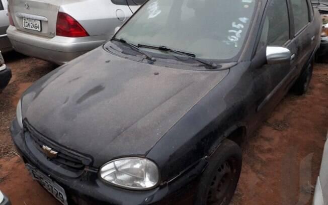 Motos e carros estarão disponíveis para receber lances no pátio do Detran em Araçatuba