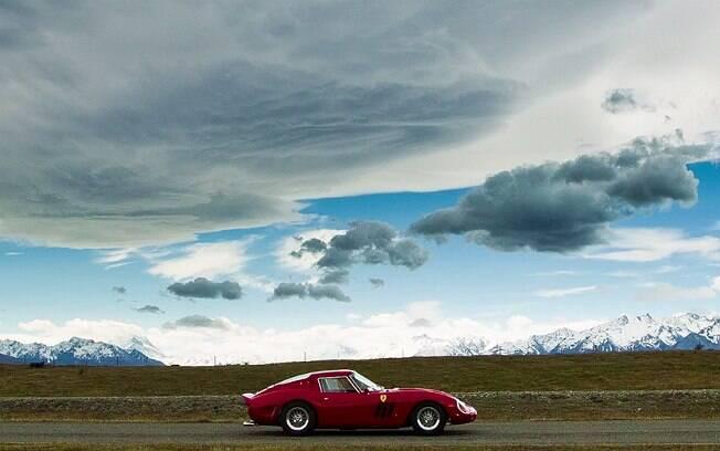Réplica de uma Ferrari 250 GTO 1962. Aos olhos de um amador, é difícil identificá-la como réplica