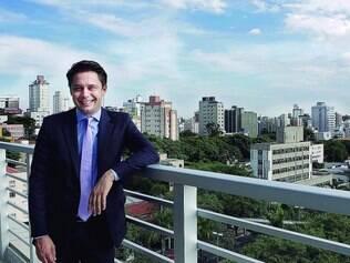 """Percepções. Cristiano Maschio, na nova sede da Porto Seguro em BH, diz que o Estado é lindo e acolhedor e que já está falando """"uai"""" e """"sô"""""""