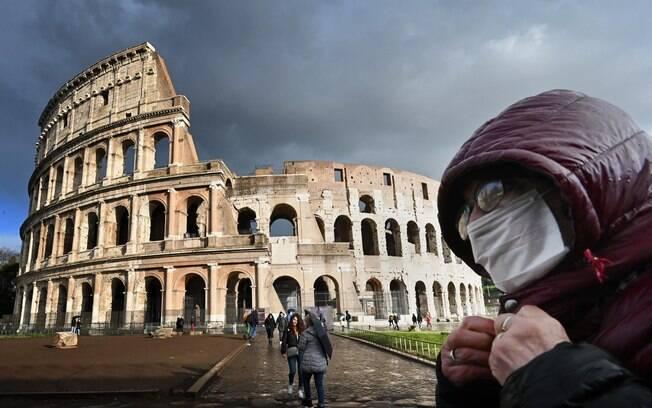 Itália restringe deslocamentos no Natal e Ano Novo para frear Covid-19