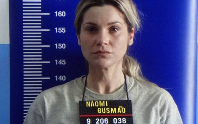 Transferido para o presídio, Naomi se emociona ao se despedir de Ícaro e Rafael