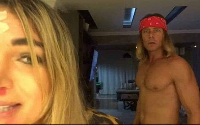 Theo Becker simula agressão na esposa