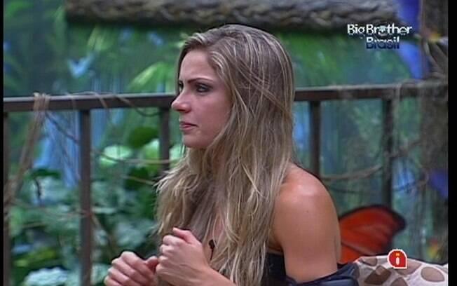 Renata critica João Maurício