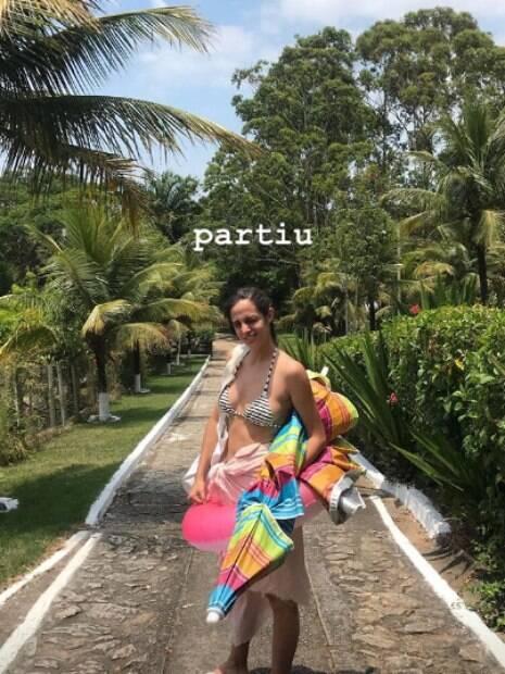 Bruna Linzmeyer curte praia ao lado da namorada, Priscila Visman
